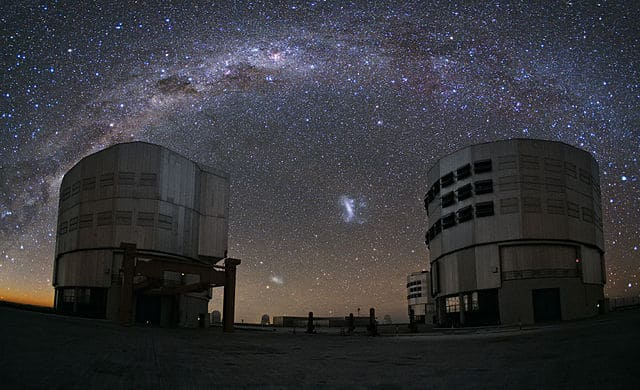 An_Emu_in_the_Sky_over_Paranal